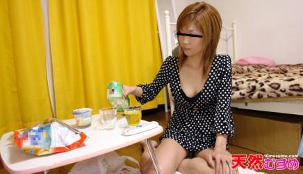 10mu-042810_01 彼女の家でまったりH 長谷川みどり