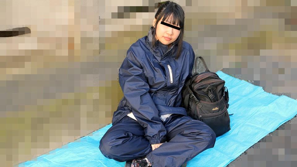 10mu-011921_01 路地裏で寝ているバックパッカー女子をナンパしてみました